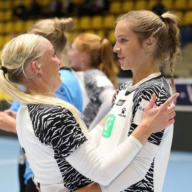 Lige nu kan du læse, hvad en lettet cheftræner @clauslmogensen_kbh sagde kort efter sejren igår over @silkeborgvoelofficialHop ind på vores hjemmeside: www.kbhbold.dk og find artiklen under nyheder 🌟Foto: Eventmedia#kbhbolddk #kvindeligaen #bambusadk #mærkdet #Hjertner10 #Føns3