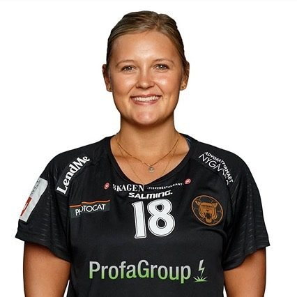 I går kunne vi stolt præsentere en forlængelse til 2023. I dag har @marialykkegaard fødselsdag. Giv hende et like og ønsk hende stort tillykke med fødselsdagen. Maria præsenteres af DMT. #kbhbolddk #fødselar #lykkegaard18